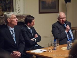 """Debatų Klubas """"Baltarusijos rebusas sankcijos ar dialogas'"""" (2011 m.)"""