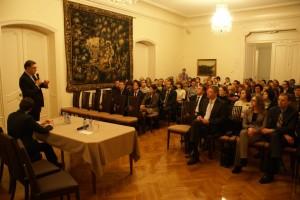 """Briuselio debatų klubo diskusija su Ministru Pirmininku Algirdu Butkevičiumi tema """"Lietuva po rinkimų: naujosios Vyriausybės iššūkiai ir artėjantis pirmininkavimas ES"""" (2013 m. sausis)"""