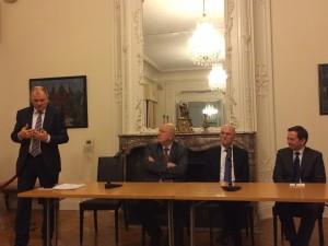 Trijų Nepriklausomybės Akto Signatarų–Europos Komisijos nario Vytenio Andriukaičio, ES Teisingumo Teismo teisėjo Egidijaus Jarašiūno bei Europos Parlamentaro nario Algirdo Saudargo diskusija Lietuvos valstybingumo raidos tema (2015 m. kovas)